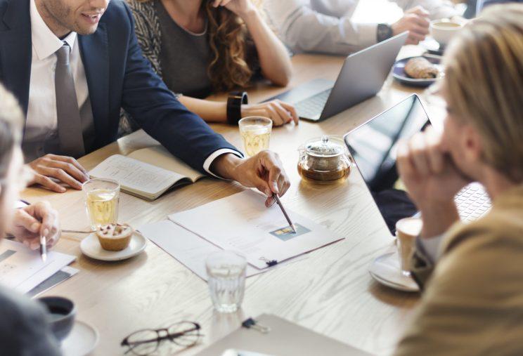 Delegar tarefas: como fazer isso de forma eficiente [9 dicas]